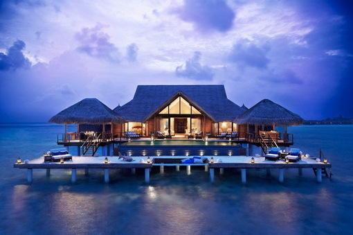 旅游那点事儿 西沙群岛的风光美景堪比马尔代夫,是中国南海主岛的四大群岛之一,主要由宣德群岛和永乐群岛组成,一共有22个岛屿 7个沙洲,还有10多个暗礁和暗滩 在西沙群岛上,栖息的 hao123网址导航