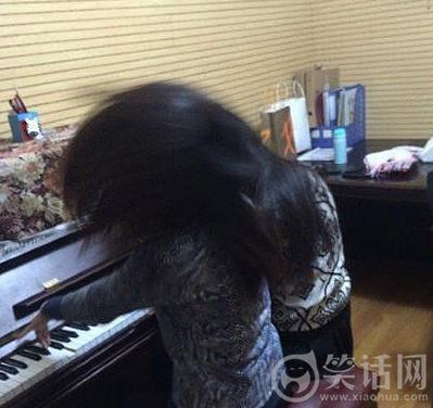 两疯子谈钢琴